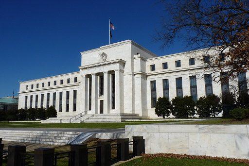 Emas kemungkinan akan naik karena The Fed tidak menunjukkan hal baru di pertemuan kongres